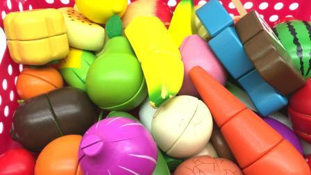 汤圆玩具屋切水果 超变武兽和薇琪一起切水果