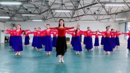 维族舞蹈极具表现力, 以前以迪丽娜尔为代表, 现在是古丽米娜