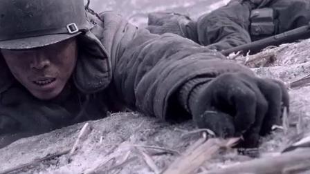 打扫战场是个危险活, 随时都有敌人的冷枪