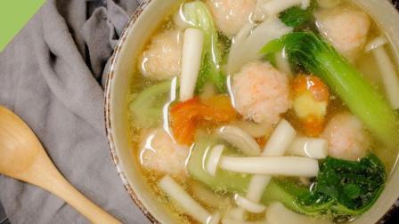 35秒教你做超鲜美的虾滑菌菇汤