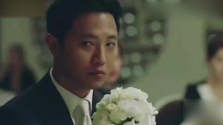 《太阳的后裔》宋慧乔讨论别人婚礼时拿出了高跟鞋, 宋仲基只好说走