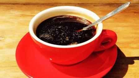 你知道黑咖啡和白咖啡有何区别? 我来告诉你哪个更好