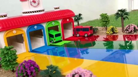 噢! 彩色小火车和巴士车找房子工程车亲子益智玩具视频分享