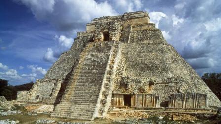 玛雅金字塔内现奇异生物, 考古学家当场懵了: 难道真存在地底世界?
