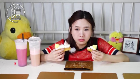 大胃王密子君吃闪电泡芙, 29个泡芙一次吃光, 一般人做不到!