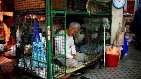 """为什么香港有些人宁愿住""""笼屋""""都不愿来内地? 看完就知道了"""