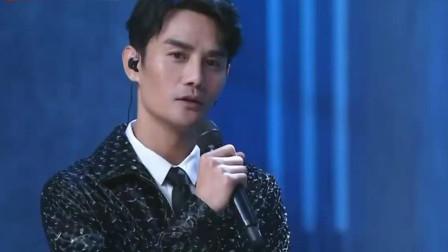 跨界歌王: 王凯动情唱一首《偏心》, 喜获那英深情对视, 氛围异常