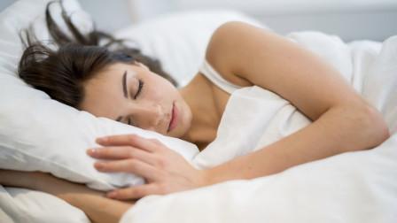 """为什么睡觉时不能""""脚朝西头朝东""""? 不仅是封建迷信, 是有科学依据的"""