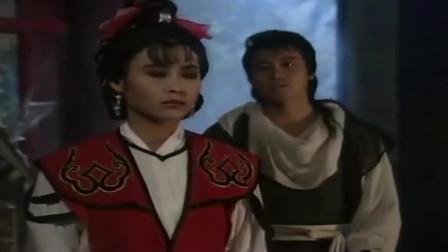 火烧红莲寺: 红姑和桂武路见不平拔刀相助, 却被人说成奸夫淫妇