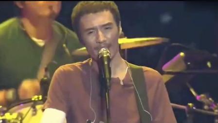 他在沉寂十年后用這首歌復出, 并一舉拿下了金馬獎的最佳原創歌手!