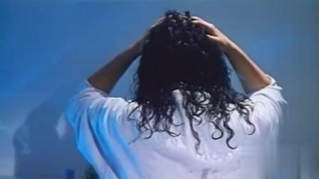 林忆莲出演的一部恐怖电影《猛鬼差馆》