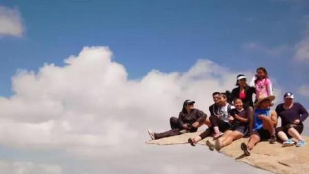 一块石头成功骗过上亿人, 拍照如置身悬崖之上, 网友: 不虚此行