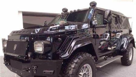 越野能力不输牧马人路虎, 限量100台国内售价1500万, 新骑士十五世SUV长6米1采用V10引擎!