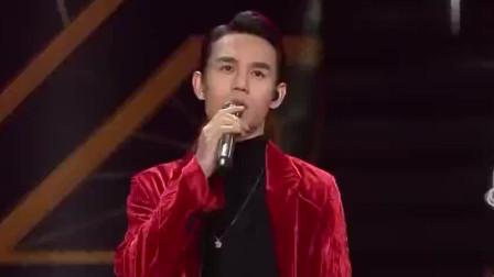 王凯走心演唱《红玫瑰》, 深情的中低音打动全场观众!