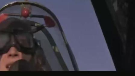 当德军油罐火车碰到美军战斗机, 这下好看了