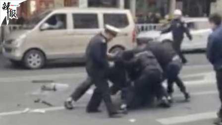 福建一公交车疑遭劫持 致5死21伤