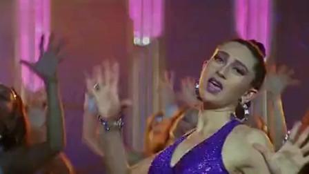 印度电影歌舞沙鲁克汗电影《我心狂野》插曲Le Gayi, 觉得这是印度歌曲最好看的舞蹈