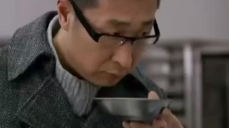 被人取笑四川泡菜不好吃, 林飞不服气, 要亲手做让尝尝中国的泡菜