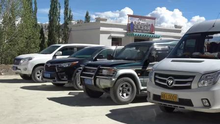 在阿里地区, 看看大家都是开什么车来自驾游的, 太现实了!