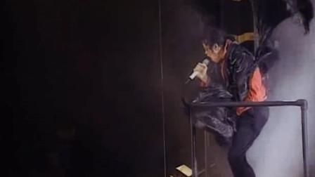 迈克尔杰克逊不需要用一场神话的演唱会, 来证明自己的伟大!