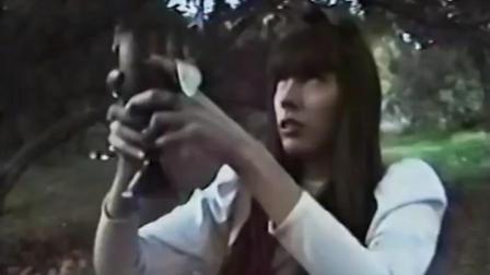 """【哥特乐界】俏皮黑女巫, 墨西哥音乐人Dani Shivers歌曲""""Up! """""""