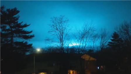 蓝色夜空! 实拍: 美国纽约一电厂突发爆炸事故