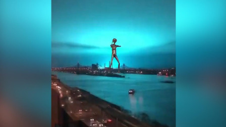 外星人出没? 美国纽约变压器发生爆炸 蓝光冲天!