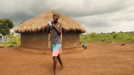 非洲每年有数百万人被饿死, 为何却没人种地? 答案出乎意料!