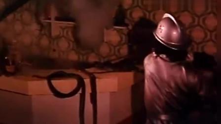 电影《人蛇大战》最后十分钟, 我一个人不敢看!