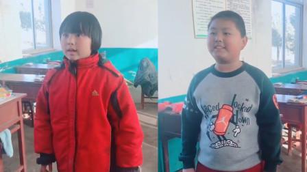 """两个小学生翻唱超难""""生僻字""""走红, 一开口惊艳全班, 让人叹服!"""