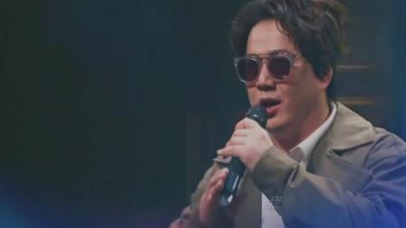 男子一曲《你是我的眼》唱出了盲人对光明的渴望, 太感人!