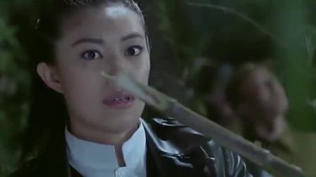 鬼子触动了游击队的机关, 削尖的竹子四面发射, 鬼子死的太惨了!