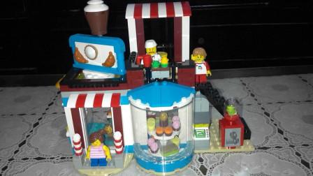 LEGO乐高31077百变创意3合1, 街头蛋糕店中文评测