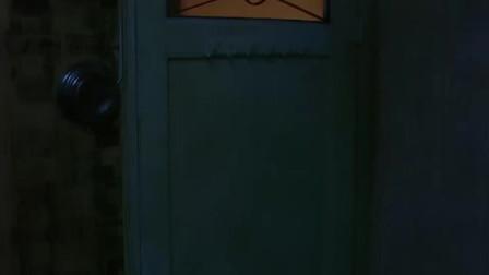 野兽之瞳: 男子送女友冰箱, 女友一脸嫌弃, 打开后立马感动了