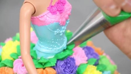 从小就爱看人家做蛋糕, 尤其是挤花朵的时候, 感觉眼睛得到了治愈!