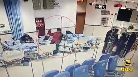 四川攀枝花 带娃到医院打针 这位民警顺手抓了个小偷