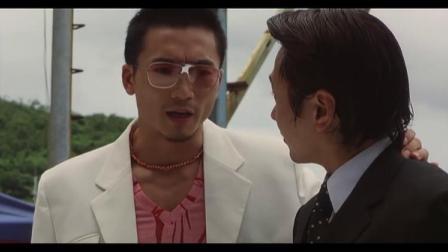 邹兆龙出演走在后面,还以为他是小弟,没想到他才是大哥