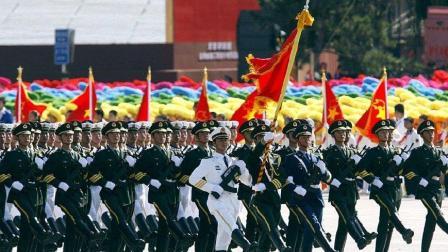 三军仪仗队升旗, 每一步都练过无数次, 光听踢正步声就让人佩服