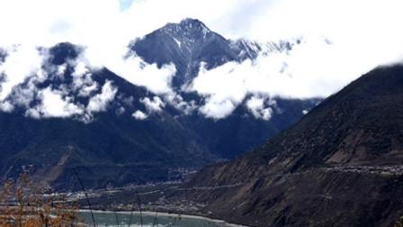 """世界上最深的峡谷: 就在中国, 被称为""""打开地球历史之门的锁孔"""""""