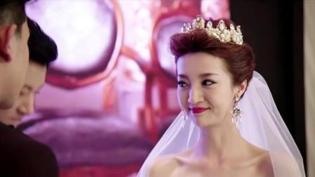 新婚现场,竟播放新娘与其他男人亲密视频,婆婆脸色立马不好了!