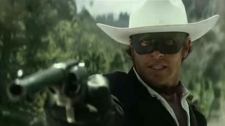 《独行侠》一部精彩, 幽默, 与搞怪的西部片, 特别是这段营救为影片加分不少!