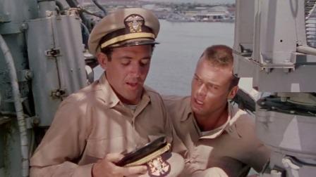 2个海军登上战舰,第一件事,竟是狂吐不止!