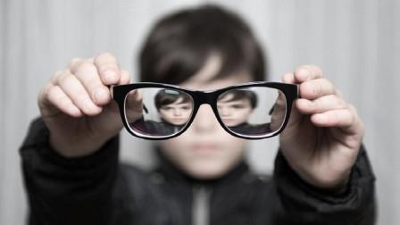 都说长期佩戴眼镜会加深近视, 这是真的吗? 原来我们被骗了这么久