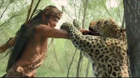 美女被猎豹袭击,小伙用木刺插进猎豹口中一击致命,太牛了
