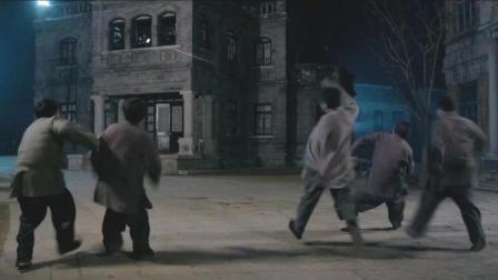 对付僵尸, 林正英徒弟不用灵符用机关枪, 还是机关枪过瘾