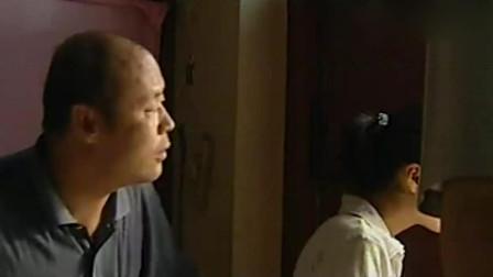 中国刑侦一号案: 旅店服务员在床下发现子弹, 赶紧报警, 原来是小毛贼想抢银行