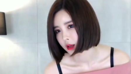 """尹素婉不跳舞这是干啥呢! 作为韩国舞蹈主播, 你要""""动""""起来!"""