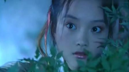 蝶舞天涯: 耳朵截吕布, 不料被吕布轻易制服, 张辽都在逗她玩!