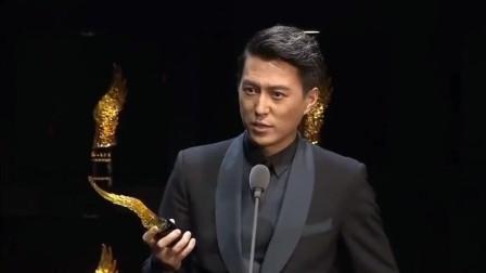 娱乐盛典恭喜老干部靳东获得年度最具实力演员奖网友: 实至名归