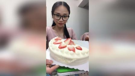 吃一整个8寸蛋糕。